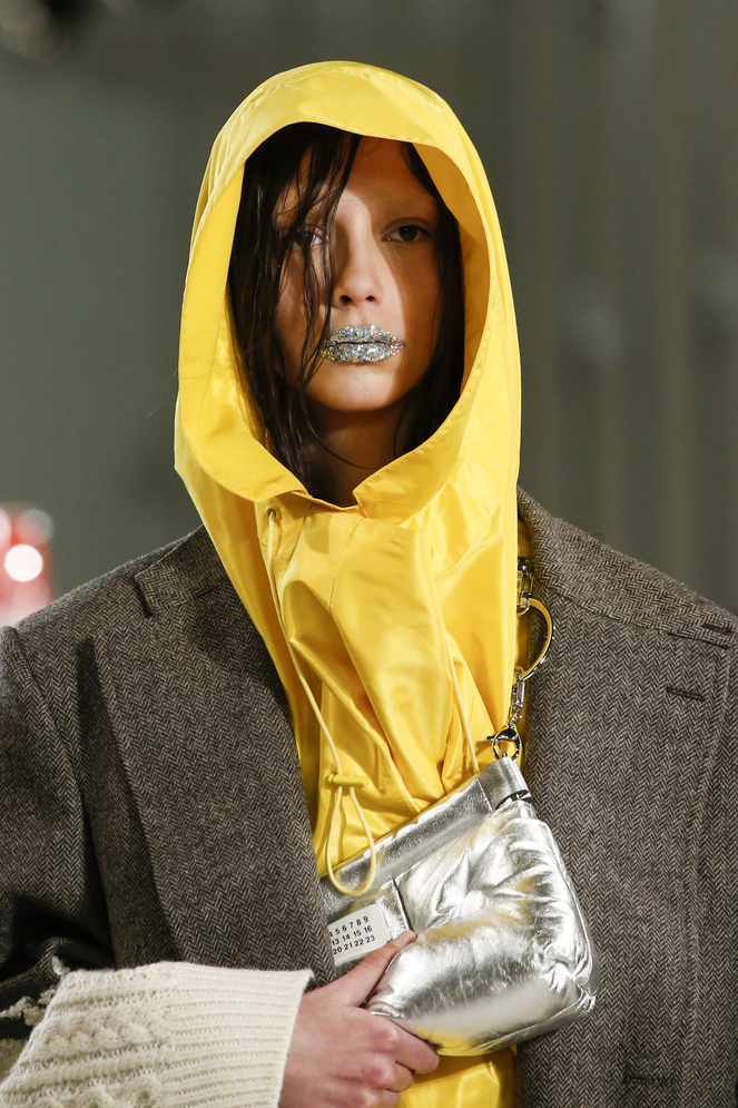 defile_margiela_automne_hiver_2018_2019_fashion_week_paris_2193.jpeg_north_663x_white